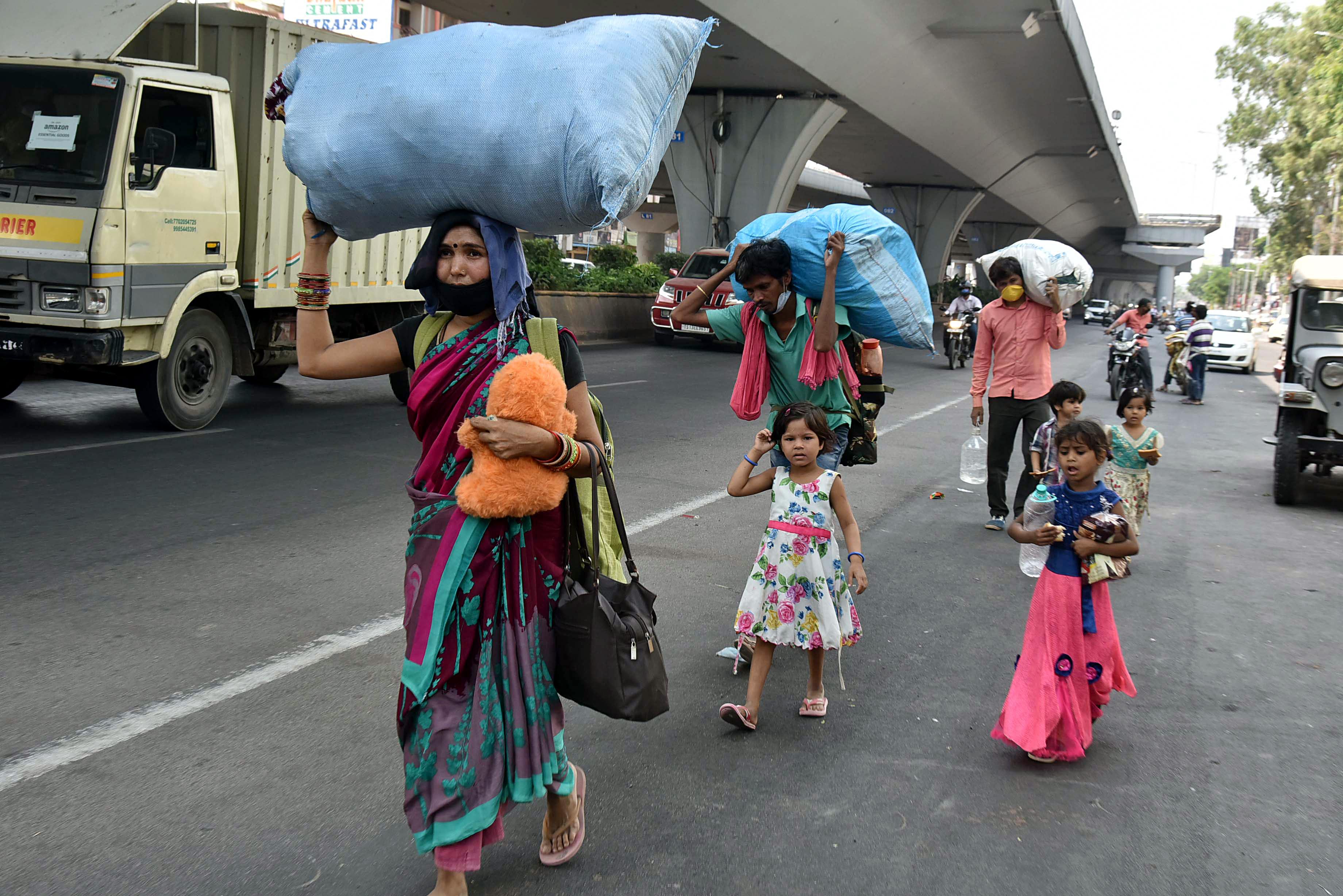 نقل مکانی کرنے والے مزدوروں کی دوبارہ حیدرآباد واپسی