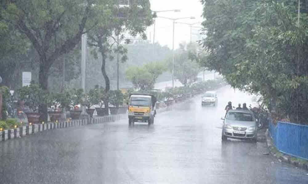 حیدرآباد کے کئی علاقوں میں اچانک بارش۔ لوگوں کو گرمی سے راحت