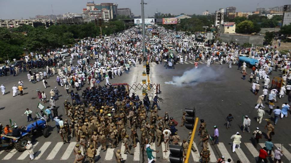 دہلی سرحد پر کسانوں کے ساتھ پولیس کی جھڑپ