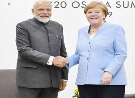 مودی نے فرانس سمیت دنیا کے کئی اہم رہنماوں سے ملاقات کی