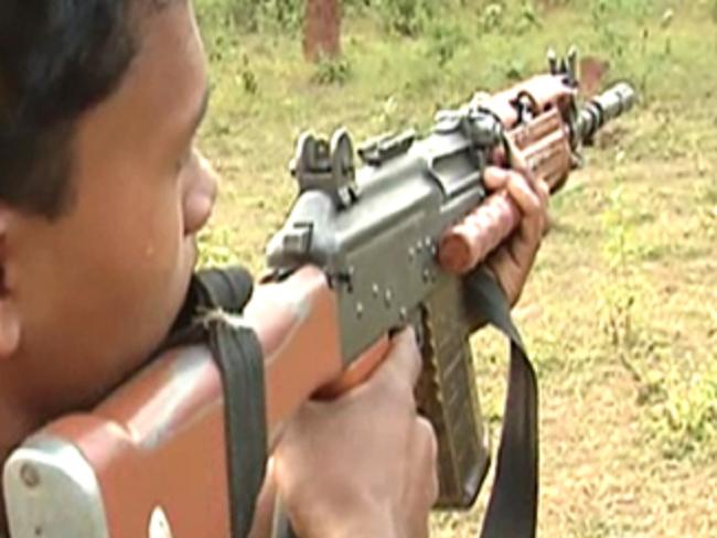 نو نکسلیوں نے ہتھیار ڈالے،ان پر تھا 46 لاکھ روپے کا انعام کا اعلان