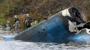 برازیل میں طیارہ صنعتی گودام سے ٹکراکر کر تباہ، 8 افراد ہلاک