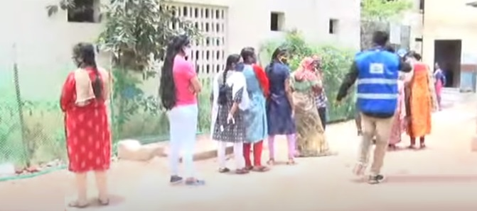 حیدرآباد میں سیلف ہیلپ گروپس کی خواتین کو کوویڈ ٹیکے