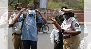 ماسک کی اہمیت پر پولیس کی بیداری مہم