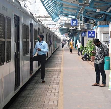 ساوتھ سنٹرل ریلوے کے سکندرآباد ڈیویثرن کے تمام اسٹیشنس میں ریلوے پلیٹ فارم ٹکٹس کی قیمت کم کردی گئی