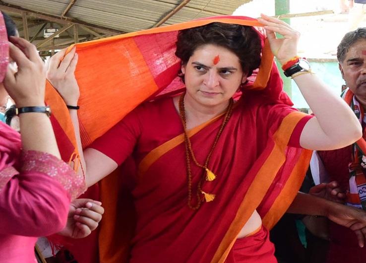 آج مودی کے پارلیمانی حلقے میں پرینکا گاندھی کا دورہ