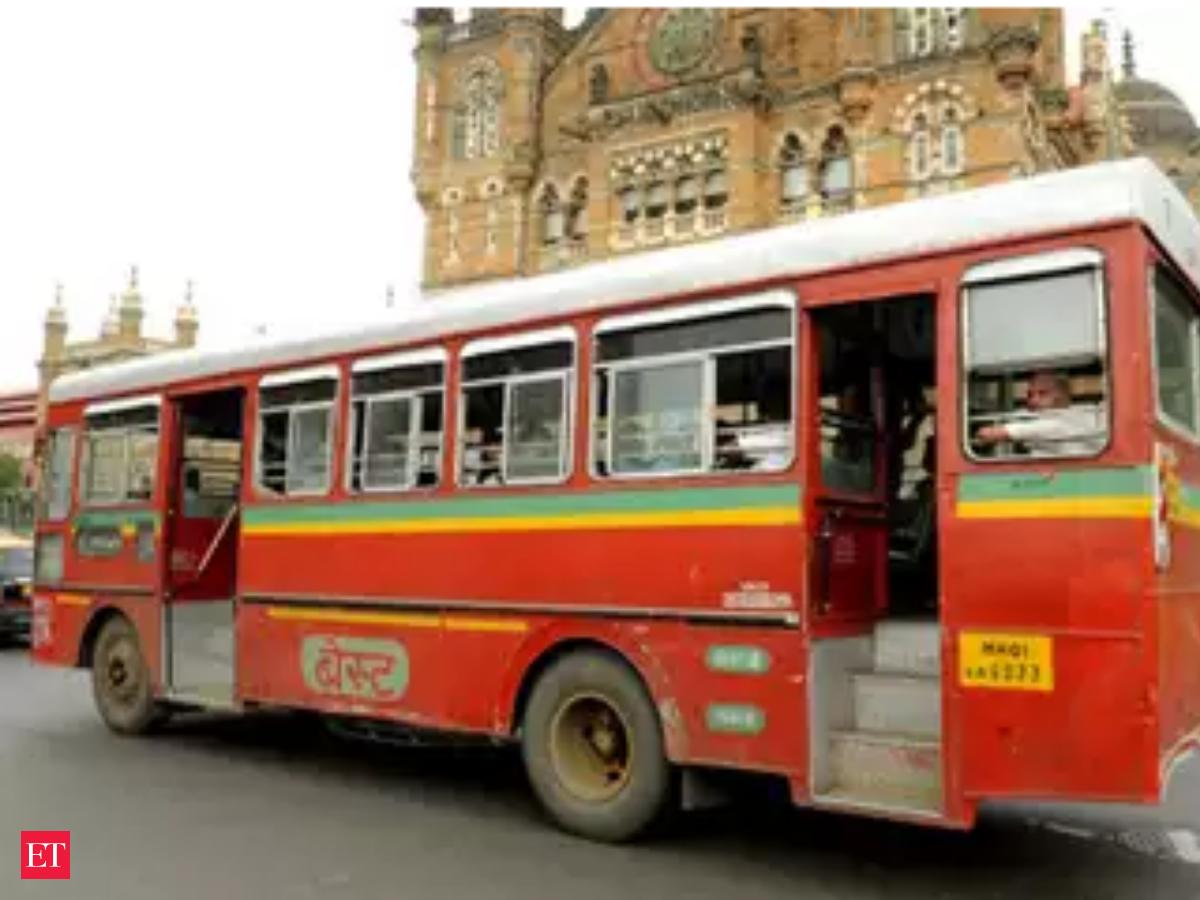 مہاراشٹر بند: ممبئی میں 'بیسٹ' کی نو بسوں کو نقصان،پونے میں بائیک ریلی