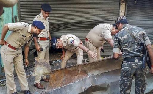 کولکتہ: دم دم میونسپل کارپوریشن کے آفس کے پاس بم دھماکہ ، ایک کی موت، 10 زخمی
