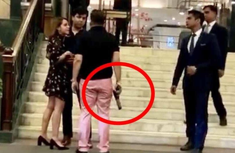 ہوٹل میں پستول لہرانے کا معاملہ: دہلی کی عدالت میں آشیش پانڈے کی خود سپردگی