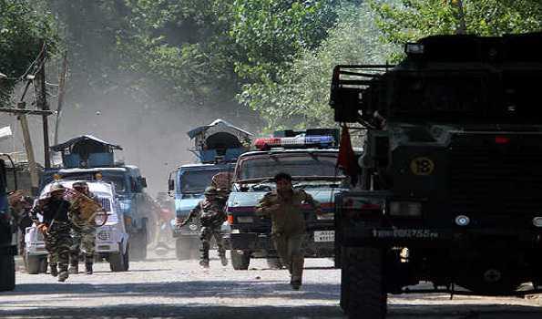 پلوامہ کے ترال میں تصادم، دو جنگجو ہلاک