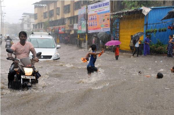 بارش سے پریشان ہوئی ممبئی