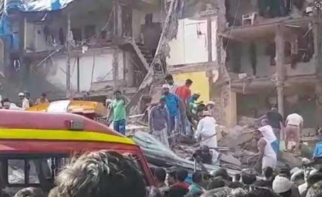 ممبئی میں عمارت منہدم،11،ہلاک،وزیراعظم مودی نے تعزیت کی اور 2-2لاکھ معاوضہ کا اعلان کیا