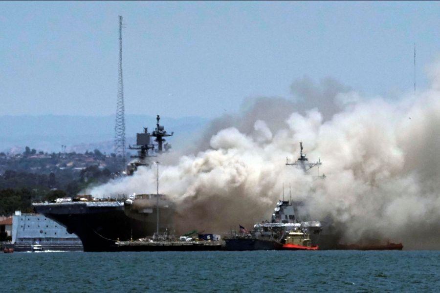 امریکی بحریہ کے سین ڈیاگوبیس پرآتشزدگی ،21 افراد زخمی