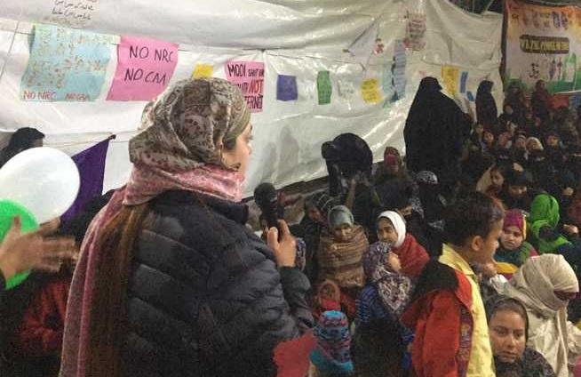 کشمیری پنڈتوں کی شاہین باغ خاتون مظاہرین سے اظہار یکجہتی