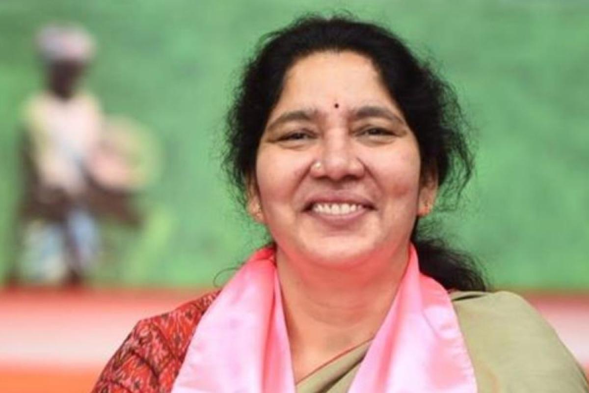 تلنگانہ کی وزیر بہبودی خواتین واطفال نے کوویڈ بلاک کی عمارت کا افتتاح کیا