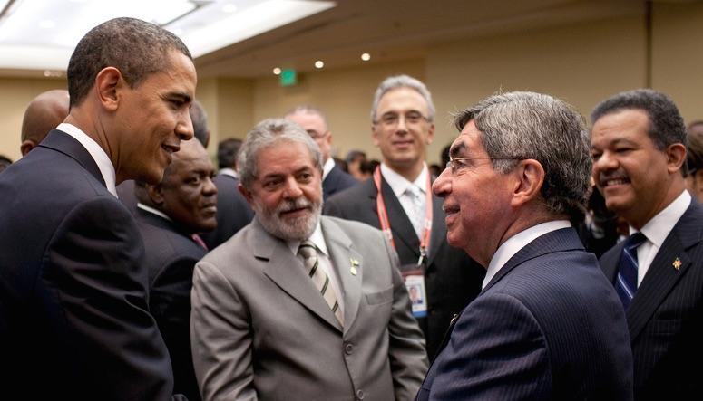 اوباما کی پناہ گزین معاملے پرکوسٹا ریکا کے صدر سے ملاقات