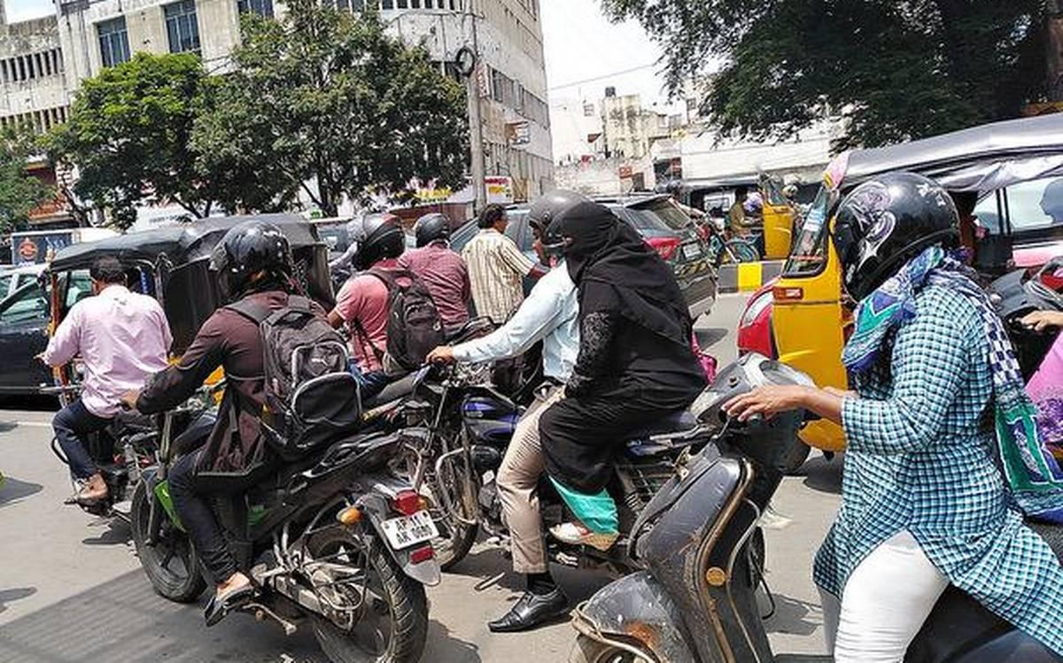 لاک ڈاون کے دوران حیدرآباد میں بے ہنگم ٹریفک،عوام کو مشکلات