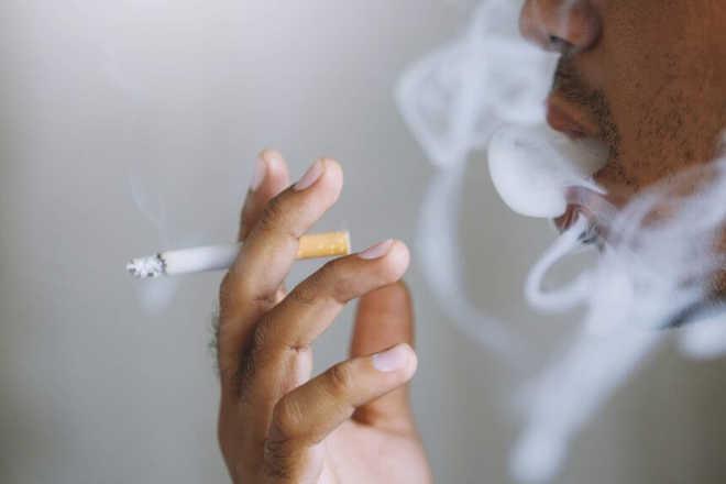 تمباکو نوشی کرنے والوں کو کورونا وائرس کا زیادہ خطرہ