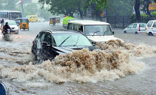 حیدرآباد کے کئی علاقوں میں بارش،سب سے زیادہ فلک نما میں 110.33ملی میٹر ریکارڈ