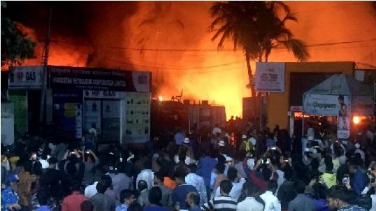 نمائش آتشزدگی: عمر عبداللہ، محبوبہ مفتی کی تلنگانہ حکومت سے کشمیری متاثرین کی بازآبادکاری کی اپیل