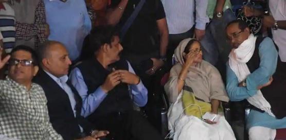 دھرنے پر بیٹھنے کے لیے وزارت داخلہ نے مغربی بنگال حکومت سے راجیو کمار کے خلاف تادیبی کارروائی کرنے کو کہا