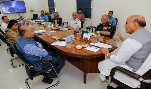 کورونا:راج ناتھ نے وزارت دفاع کی تیاریوں کا جائزہ لیا