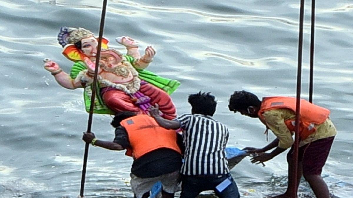 حیدرآباد:حسین ساگر میں پی او پی سے بنی گنیش کی مورتیوں کے وسرجن پر پابندی۔سپریم کورٹ میں جمعرات کو سماعت