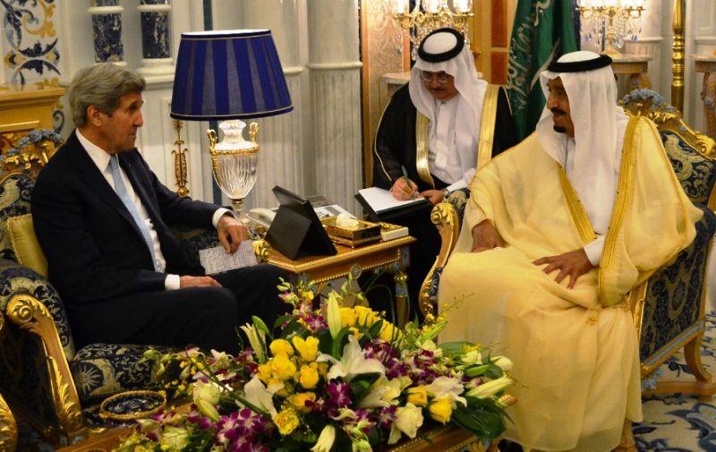 کیری نے یمن اور شام کی لڑائیوں سے نمٹنے کے لئے سعودی عرب سے بات کی