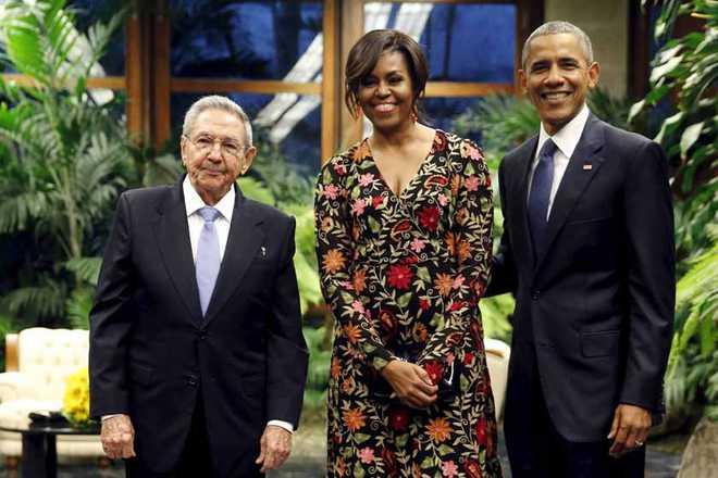 اوبامہ اور کاسترو کے درمیان تاریخی ملاقات