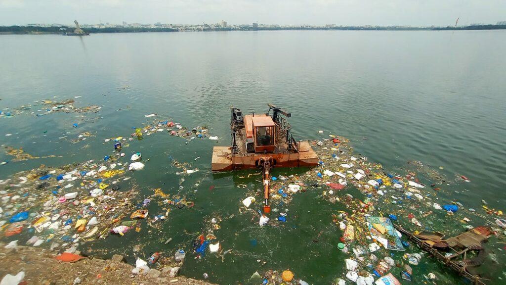 حیدرآباد:حسین ساگر جھیل کی صفائی کاکام شروع