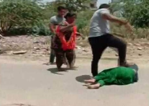 پنجاب: کانگریس کونسلر کے بھائی نے پیسوں کے لئے خاتون کو بری طرح پیٹا