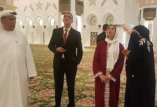 اسرائیلی وزیر کا ابوظبی کی مسجد کا دورہ، سر ڈھانپ کر دورہ کرنے کی تصویرسوشل میڈیا پر وائرل