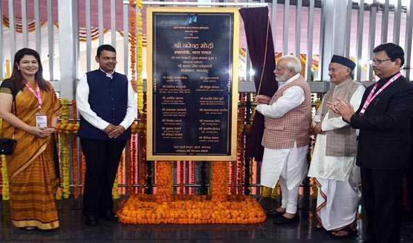 مودی نےممبئی میں تین میٹرو لائن کی بنیاد رکھی