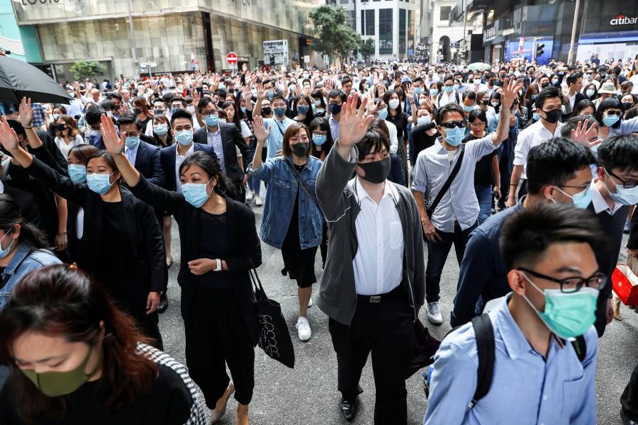 ہانگ کانگ میں مسلسل چوتھے دن ٹریفک میں رخنہ ،اسکول اور یونیورسٹیاں بند