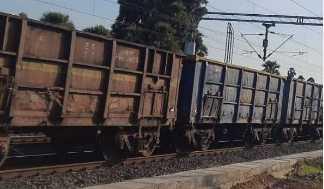 کانپور دیہات میں مال گاڑی پٹری سے اتری، دہلی ہاوڑا ریل روٹ متاثر