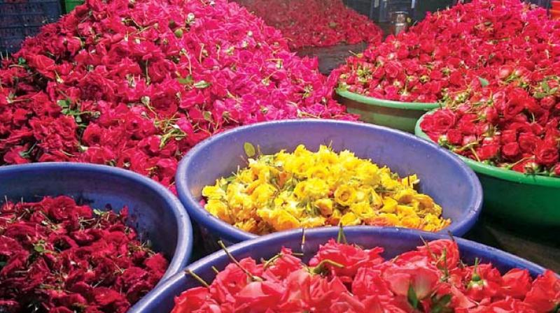 تلنگانہ میں پھولوں کی قیمتوں میں غیرمعمولی اضافہ