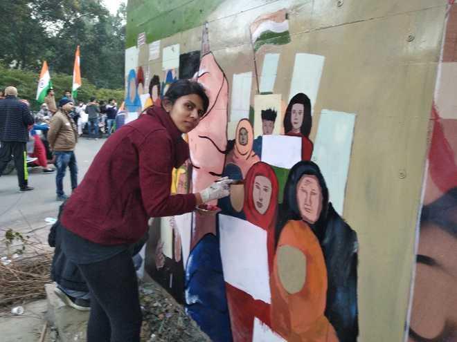 اپنے فن پاروں کے ذریعہ طالبات کا شہریت ترمیمی قانون کے خلاف انوکھا احتجاج