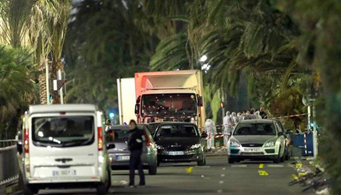 فرانس کے نیشنل ڈے کی تقریب پر حملہ، ٹرک میں سوار دو دہشت گردوں نے بھیڑ کو کچلا، 84 افراد ہلاک