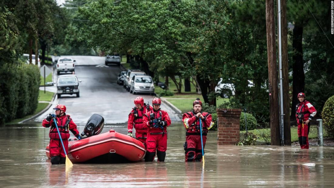 طوفان کے پیش نظر کیرولینا میں ایمرجنسی نافذ