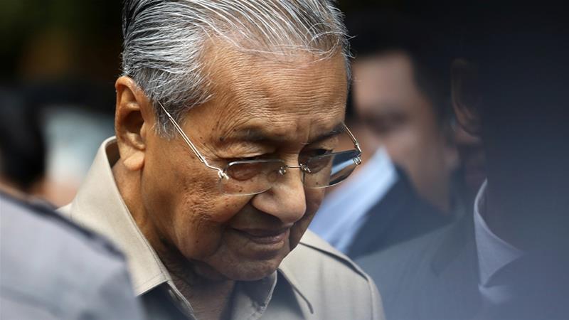 ملائشیا کے سابق وزیراعظم نجیب رزاق کا معاون بدعنوانی کے الزامات سے بری