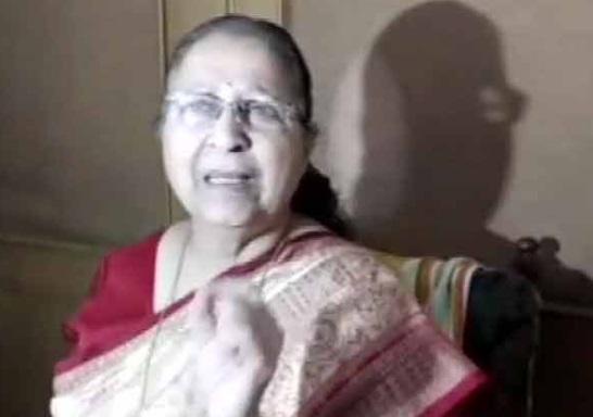 پرینکا کو عہدہ  دے کر راہل نے قبول کیا کہ وہ اکیلے سیاست نہیں کرسکتے: سمترا مہاجن
