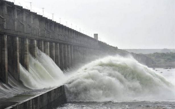 تلنگانہ:آبی پروجیکٹس میں پانی کا شدید بہاو۔دروازے کھولے گئے