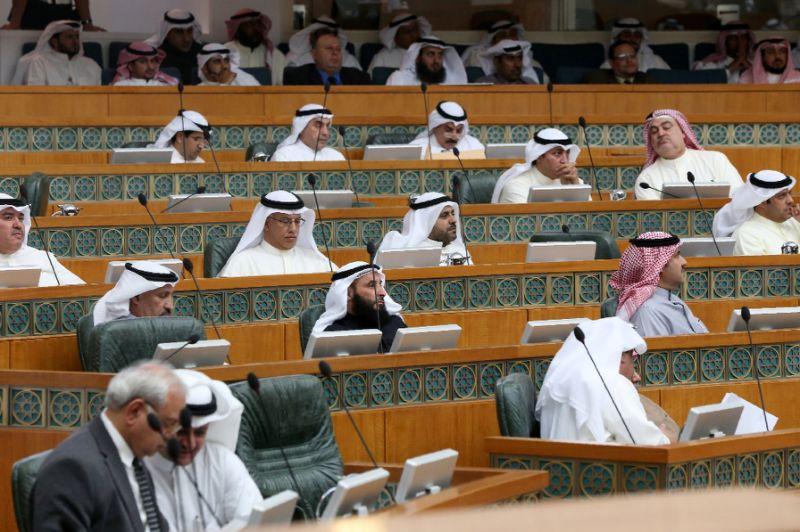 کویت کے امیر نے پارلیمنٹ کو تحلیل کر دیا