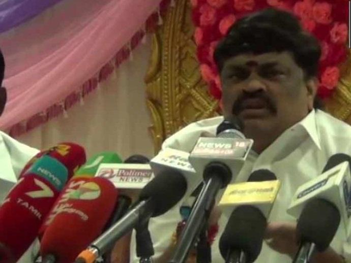 """کمل ہاسن کے ہندو دشت گرد والے بیان پر تمل ناڈو کے وزیر نے کہا، """"کاٹ دو زبان"""""""