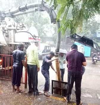 ممبئی میں مانسون کی پہلی بارش سے عام زندگی متاثر،4افرادہلاک متعددزخمی