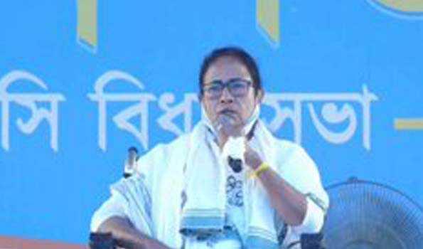 ممتا بنرجی نے ایک بار پھر الیکشن کمیشن کی تنقید کی