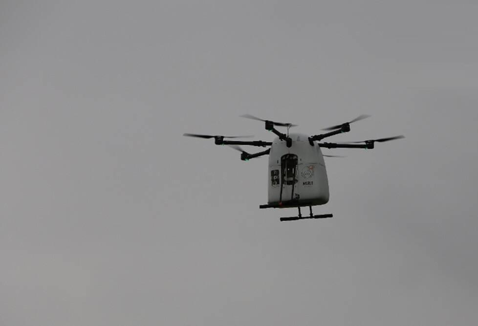 ملک میں پہلی مرتبہ تلنگانہ کے وقارآباد ضلع میں فضاء سے کورونا کے ٹیکے اور دوائیں پہنچانے ڈرون کا استعمال